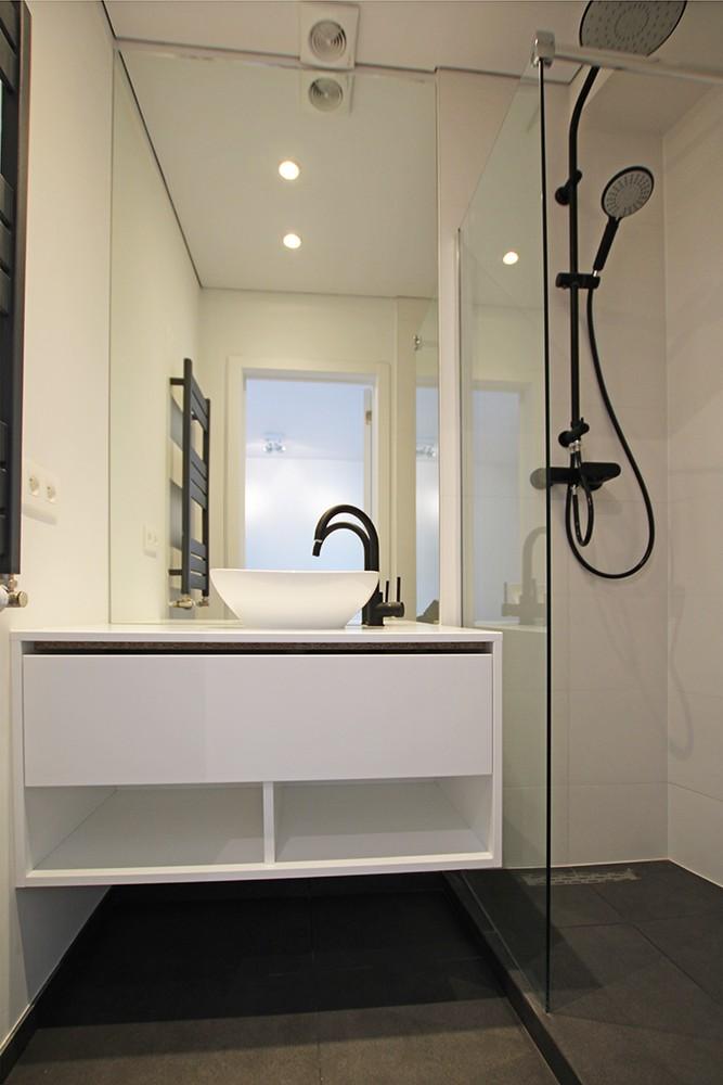 Stijlvol gerenoveerd appartement met twee slaapkamers en prachtig terras (28 m²) in het hartje van Antwerpen! afbeelding 6