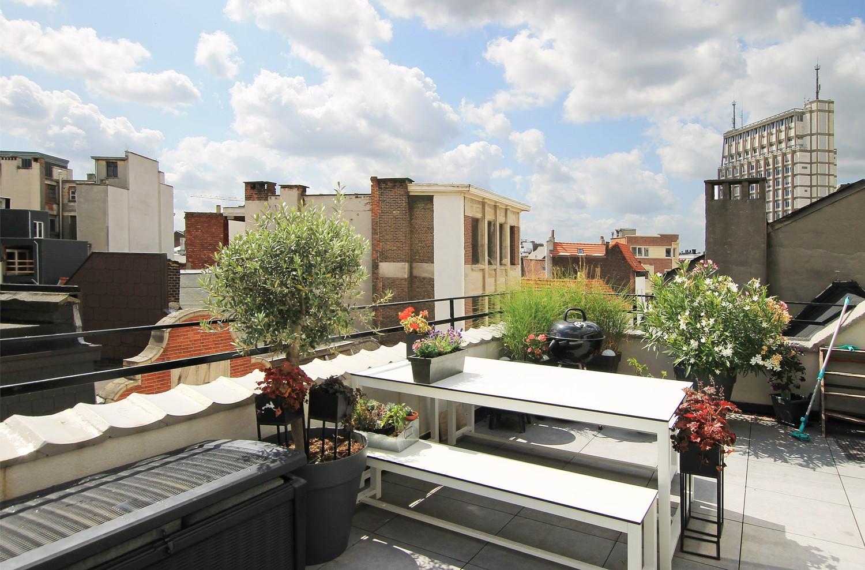 Stijlvol gerenoveerd appartement met twee slaapkamers en prachtig terras (28 m²) in het hartje van Antwerpen! afbeelding 12