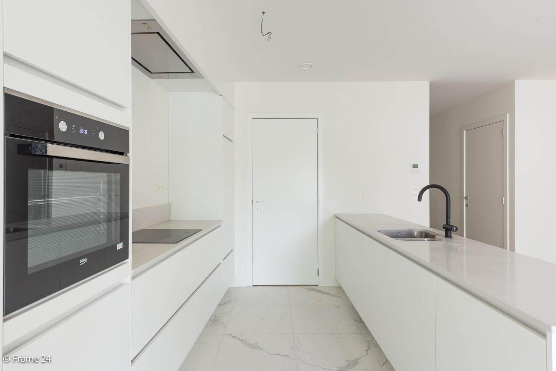 Prachtig nieuwbouwappartement op de gelijkvloerse verdieping met tuin en garagebox te Klein Willebroek! afbeelding 5