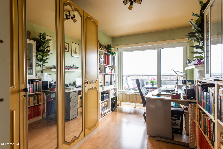 Verzorgd appartement met twee slaapkamers en ruim terras op de grens Deurne-Borgerhout. afbeelding 10
