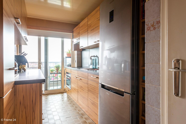 Verzorgd appartement met twee slaapkamers en ruim terras op de grens Deurne-Borgerhout. afbeelding 7