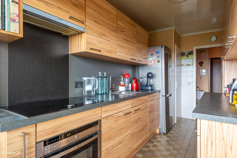 Verzorgd appartement met twee slaapkamers en ruim terras op de grens Deurne-Borgerhout. afbeelding 6
