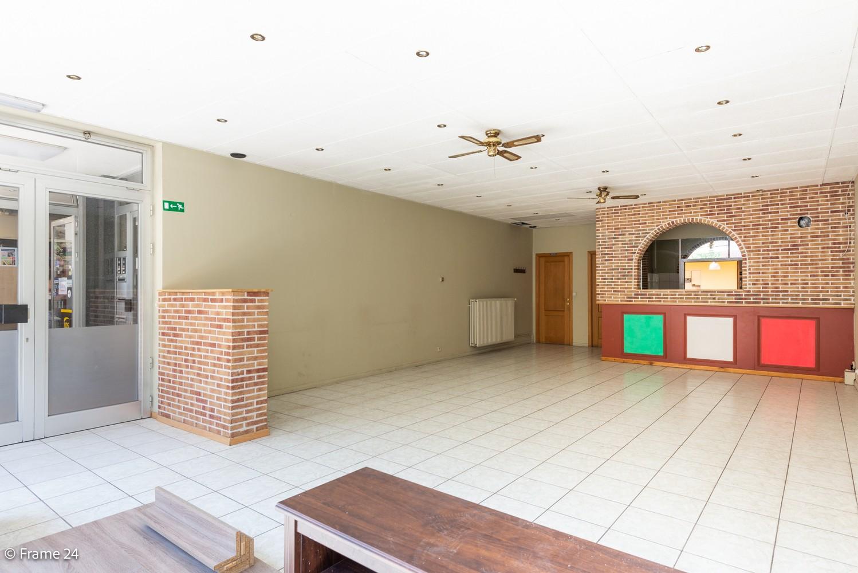 Handelsruimte (208 m²) op commerciële locatie te Ekeren! afbeelding 2