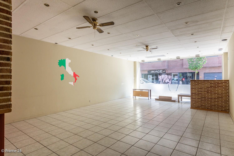 Handelsruimte (208 m²) op commerciële locatie te Ekeren! afbeelding 4