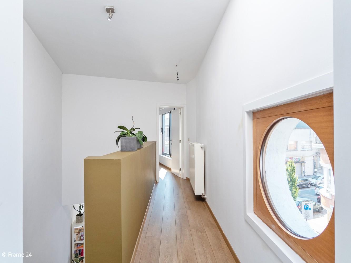 Volledig gerenoveerde charmante woning gelegen te Merksem! afbeelding 19