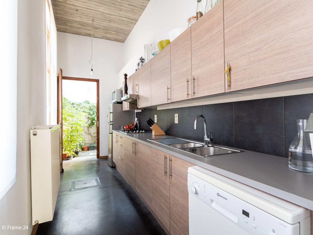 Volledig gerenoveerde charmante woning gelegen te Merksem! afbeelding 10