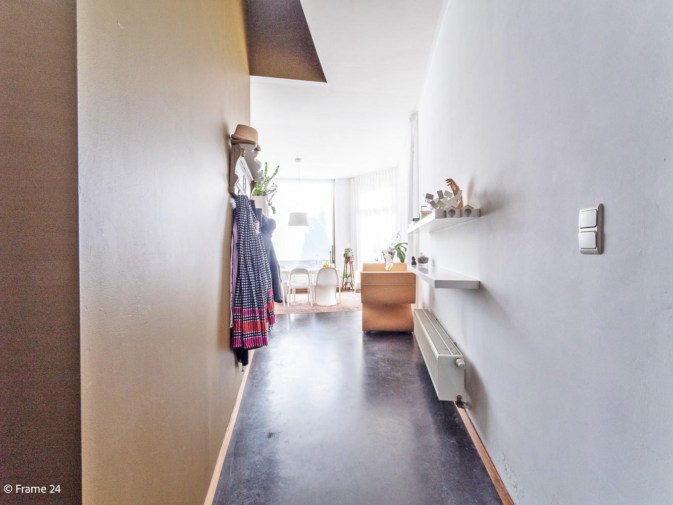 Volledig gerenoveerde charmante woning gelegen te Merksem! afbeelding 3