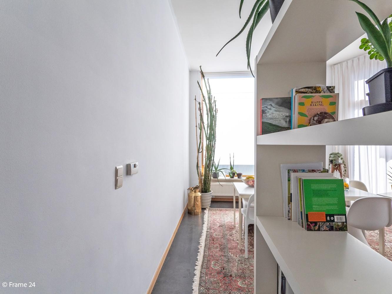 Volledig gerenoveerde charmante woning gelegen te Merksem! afbeelding 8