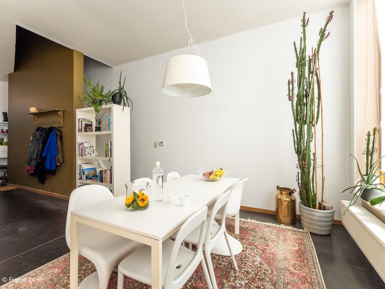 Volledig gerenoveerde charmante woning gelegen te Merksem! afbeelding 6