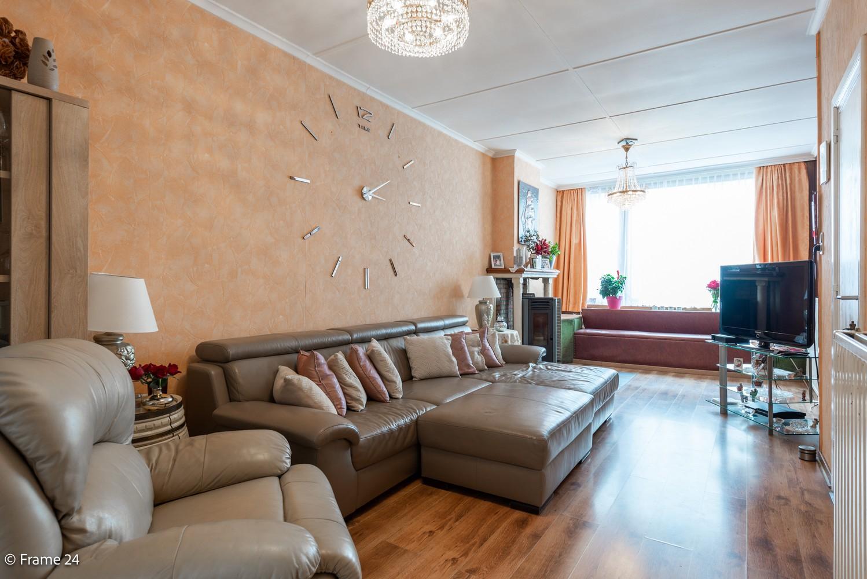 Deels te renoveren woning (150 m²) met 4 slks te Antwerpen! afbeelding 1