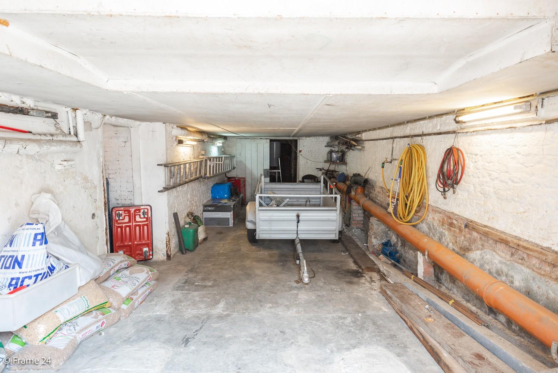 Deels te renoveren woning (150 m²) met 4 slks te Antwerpen! afbeelding 17