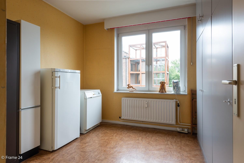 Ruim  en licht appartement (93 m²) met 3 slaapkamers op centrale locatie te Borgerhout! afbeelding 12