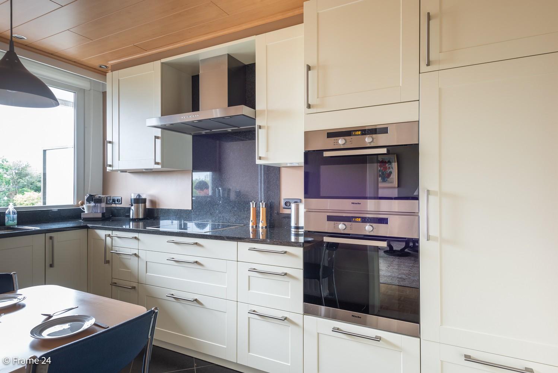Ruim  en licht appartement (93 m²) met 3 slaapkamers op centrale locatie te Borgerhout! afbeelding 4