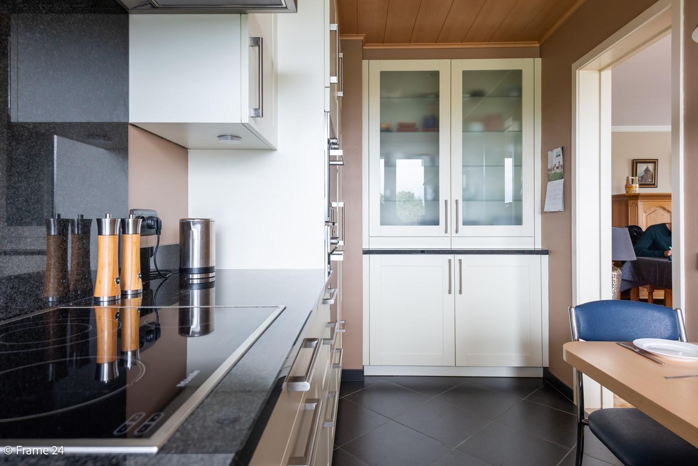 Ruim  en licht appartement (93 m²) met 3 slaapkamers op centrale locatie te Borgerhout! afbeelding 5