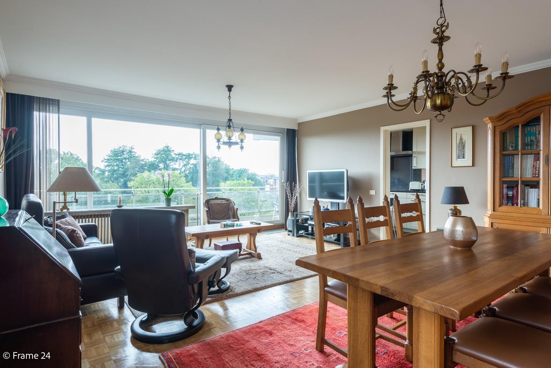 Ruim  en licht appartement (93 m²) met 3 slaapkamers op centrale locatie te Borgerhout! afbeelding 3