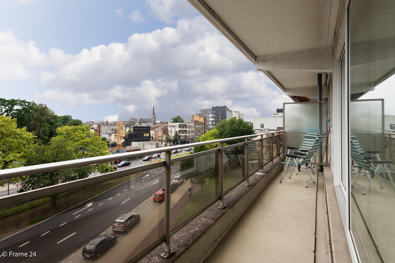Ruim  en licht appartement (93 m²) met 3 slaapkamers op centrale locatie te Borgerhout! afbeelding 1