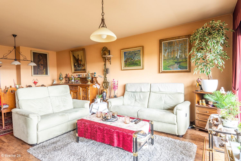 Verzorgd appartement met twee slaapkamers en ruim terras op de grens Deurne-Borgerhout. afbeelding 4