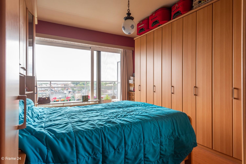 Verzorgd appartement met twee slaapkamers en ruim terras op de grens Deurne-Borgerhout. afbeelding 9