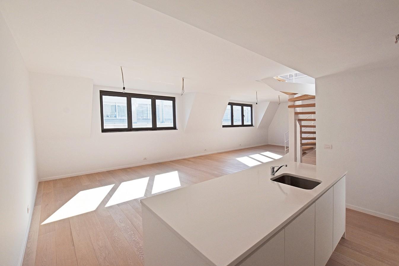 Nieuw en stijlvol duplex-appartement met luxueuze afwerking en riant dakterras (40 m²) te Antwerpen! afbeelding 5