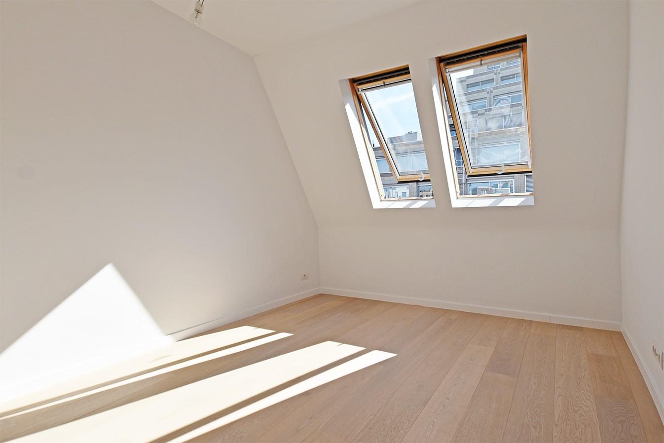 Nieuw en stijlvol duplex-appartement met luxueuze afwerking en riant dakterras (40 m²) te Antwerpen! afbeelding 9