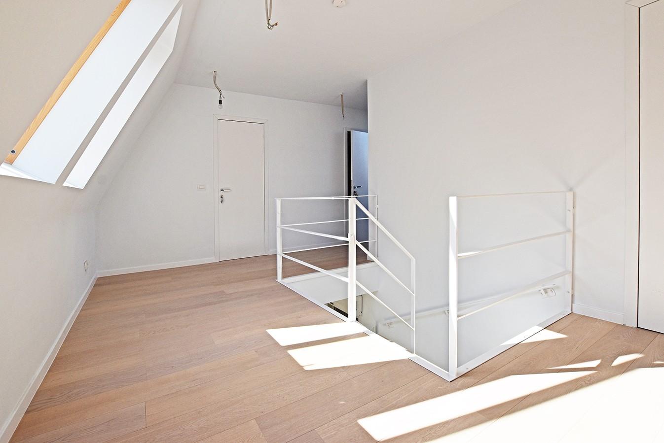 Nieuw en stijlvol duplex-appartement met luxueuze afwerking en riant dakterras (40 m²) te Antwerpen! afbeelding 8