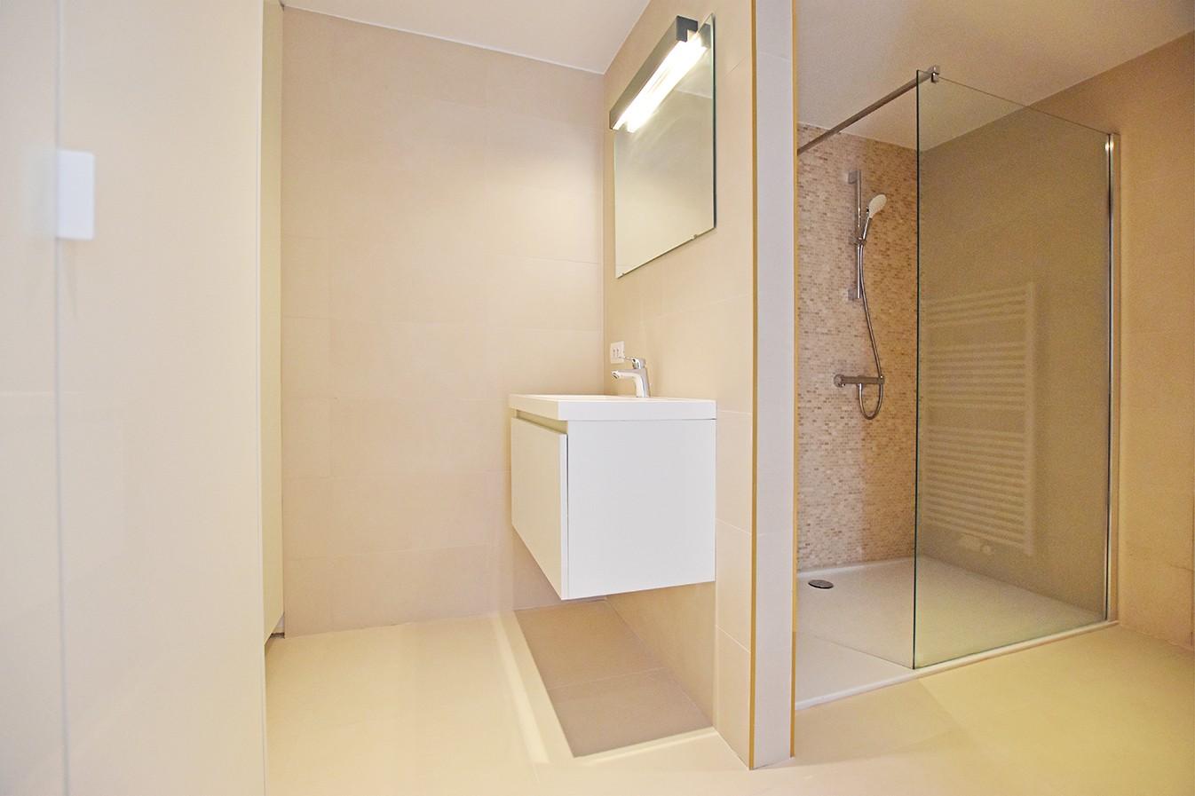 Nieuw en stijlvol duplex-appartement met luxueuze afwerking en riant dakterras (40 m²) te Antwerpen! afbeelding 12