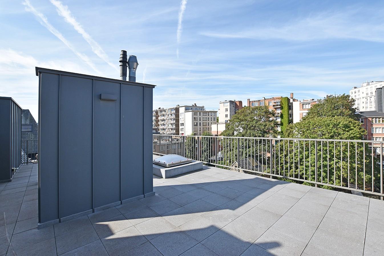 Nieuw en stijlvol duplex-appartement met luxueuze afwerking en riant dakterras (40 m²) te Antwerpen! afbeelding 17