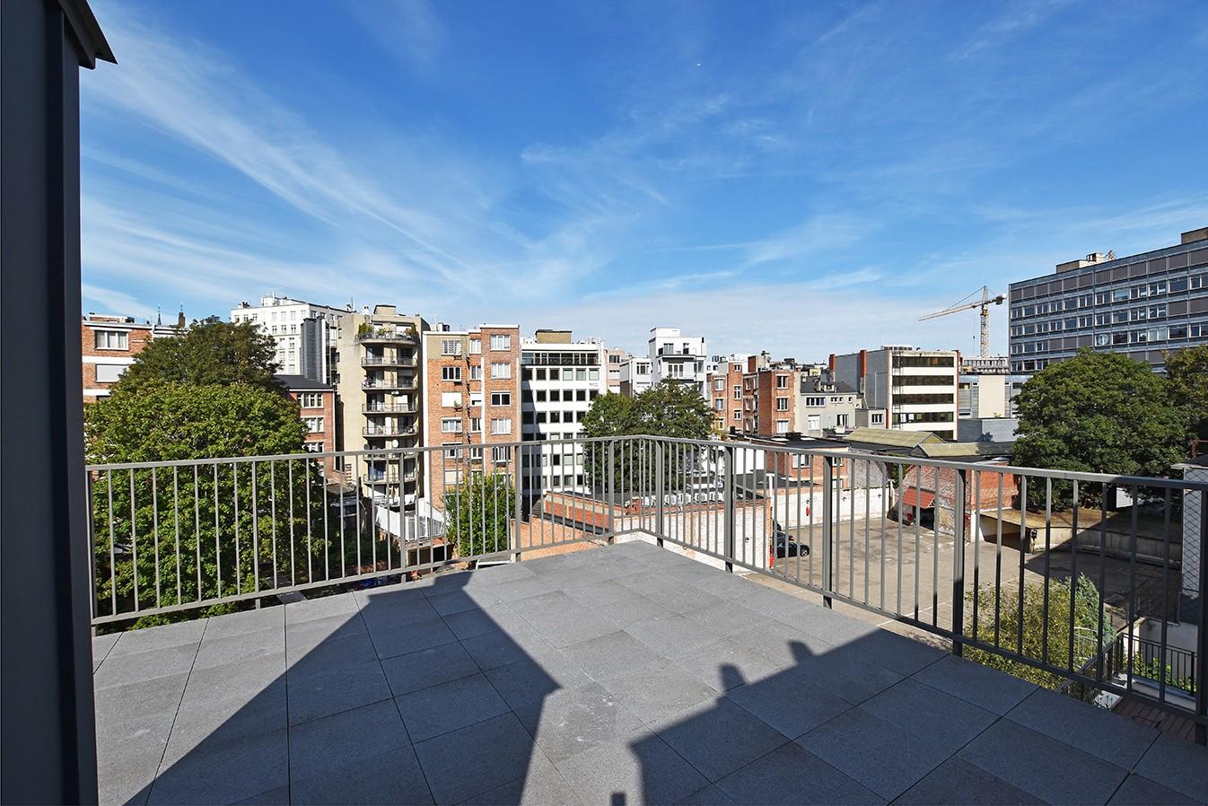 Nieuw en stijlvol duplex-appartement met luxueuze afwerking en riant dakterras (40 m²) te Antwerpen! afbeelding 15