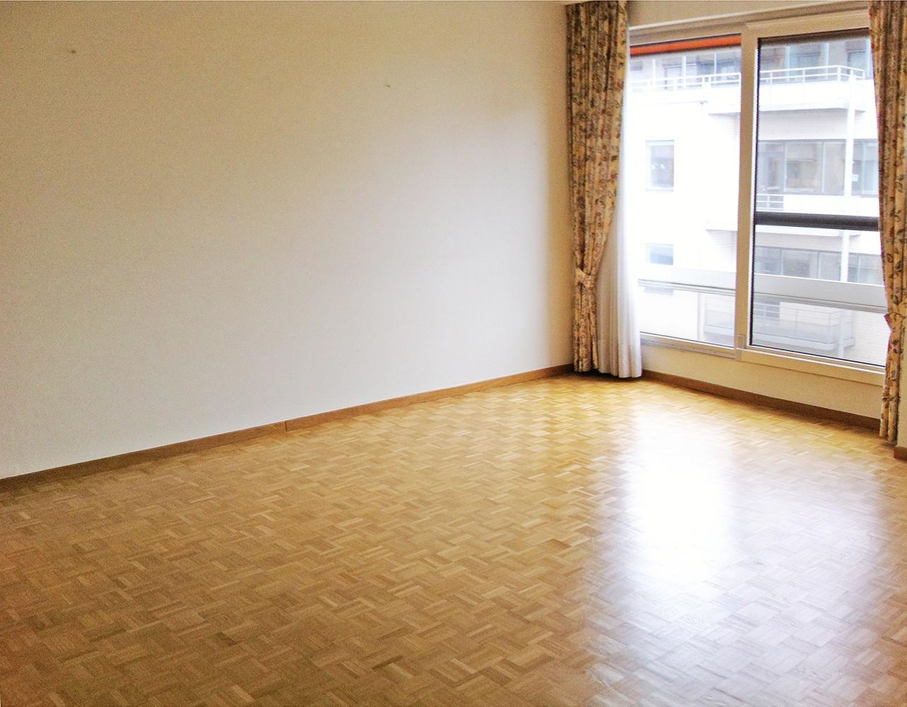 Goed onderhouden verhuurde serviceflat (58 m²) in vooraanstaande residentie te Antwerpen! afbeelding 10