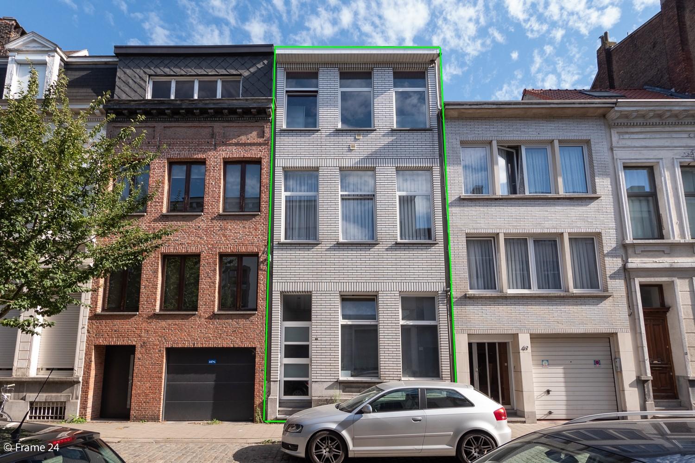 Woonhuis met 3 units op centrale ligging te Borgerhout! afbeelding 1
