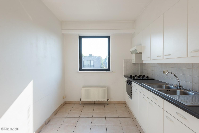 Instapklaar appartement (91 m²) met twee slaapkamers, terras en garage op goede locatie te Wommelgem! afbeelding 7