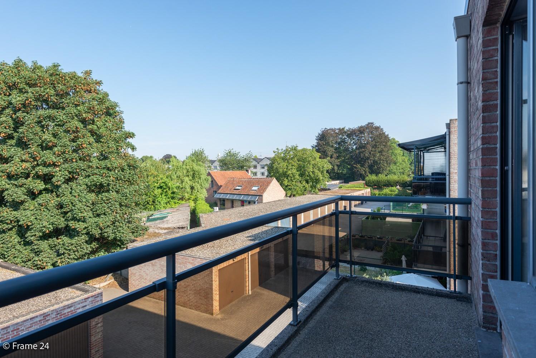 Instapklaar appartement (91 m²) met twee slaapkamers, terras en garage op goede locatie te Wommelgem! afbeelding 10