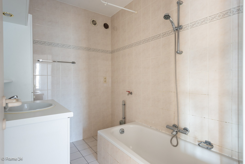 Instapklaar appartement (91 m²) met twee slaapkamers, terras en garage op goede locatie te Wommelgem! afbeelding 14