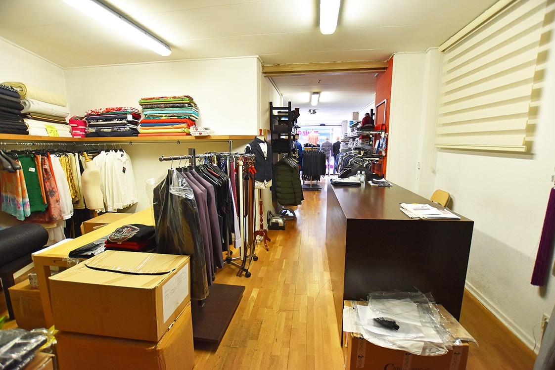 Handelsruimte (70 m²) op het gelijkvloers gelegen op een centrale locatie in Berchem! afbeelding 2