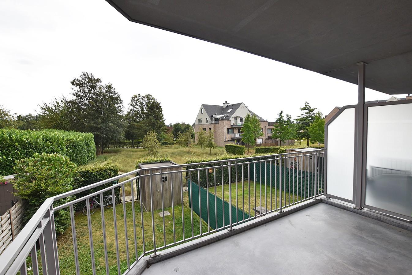 Ruim en instapklaar 2-slaapkamer (80 m²)  appartement met lift op centrale ligging te Wijnegem! afbeelding 13