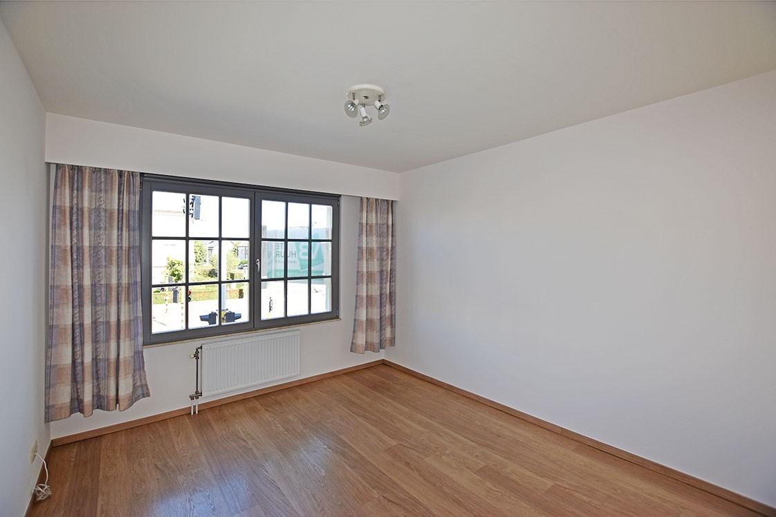 Ruim en instapklaar 2-slaapkamer (80 m²)  appartement met lift op centrale ligging te Wijnegem! afbeelding 7