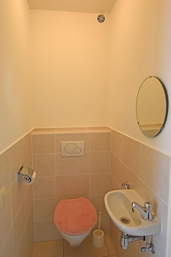 Ruim en instapklaar 2-slaapkamer (80 m²)  appartement met lift op centrale ligging te Wijnegem! afbeelding 10