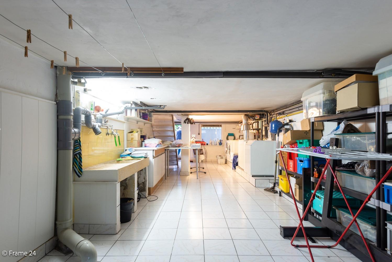 Handelspand met ruime woonst (230 m²) op centrale ligging te Deurne! afbeelding 8