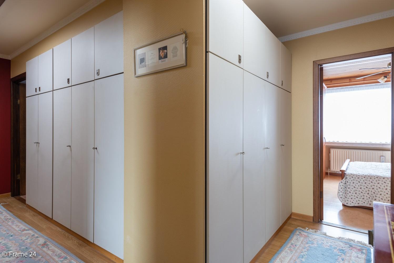 Handelspand met ruime woonst (230 m²) op centrale ligging te Deurne! afbeelding 27