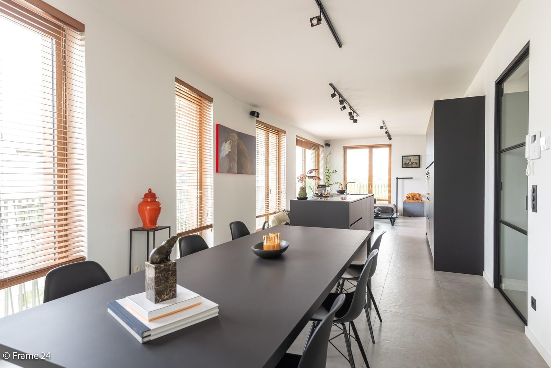Riant luxe-appartement (160 m²) op het hippe Nieuwe Zuid te Antwerpen! afbeelding 1