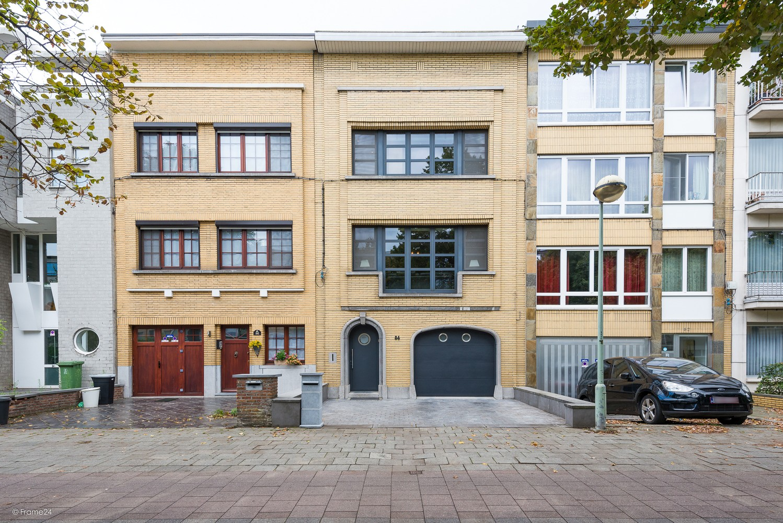 Charmante, instapklare woning op zeer gegeerde locatie te Borgerhout! afbeelding 1