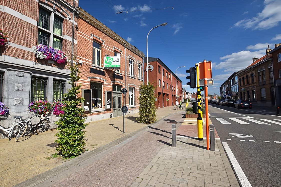 Unieke woning met een handelsgelijkvloers, duplex-appartement, achterhuis én terras in het hartje van Wijnegem! afbeelding 33
