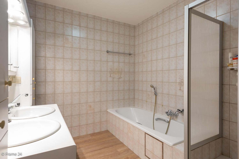 Ruim gelijkvloers appartement met 2 slaapkamers op een centrale locatie in Wijnegem! afbeelding 12