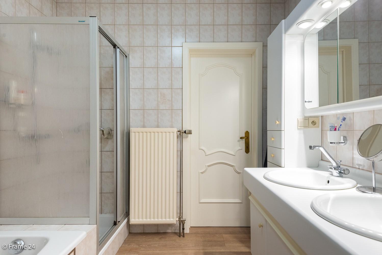 Ruim gelijkvloers appartement met 2 slaapkamers op een centrale locatie in Wijnegem! afbeelding 13