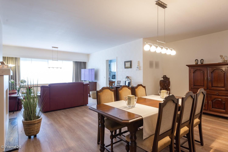 Ruim gelijkvloers appartement met 2 slaapkamers op een centrale locatie in Wijnegem! afbeelding 4