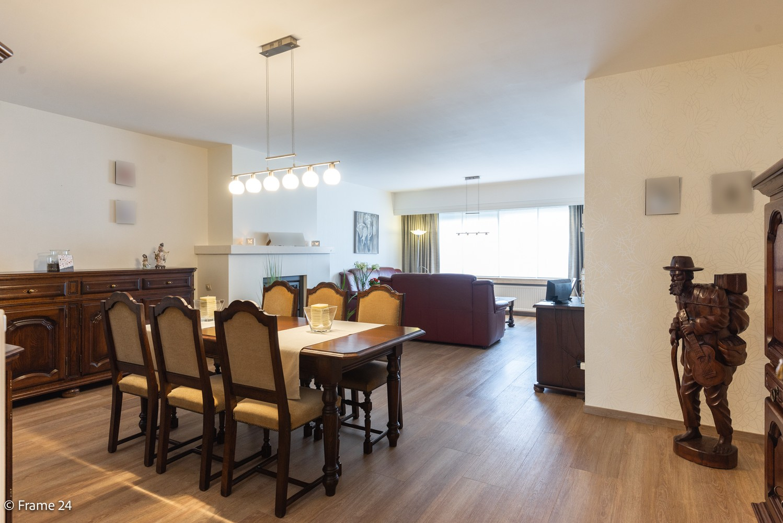 Ruim gelijkvloers appartement met 2 slaapkamers op een centrale locatie in Wijnegem! afbeelding 2