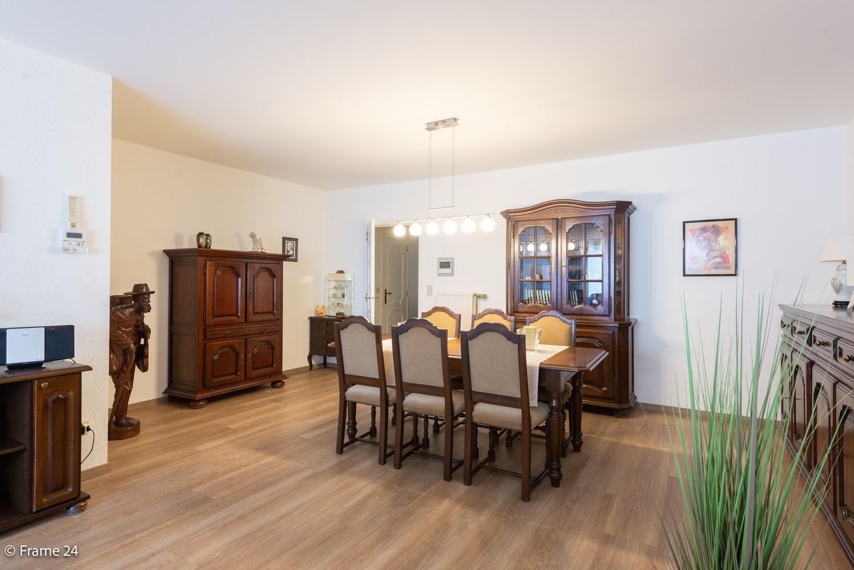 Ruim gelijkvloers appartement met 2 slaapkamers op een centrale locatie in Wijnegem! afbeelding 7
