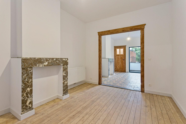 Stijlvol gerenoveerd appartement met één slaapkamer en terras te Merksem! afbeelding 1