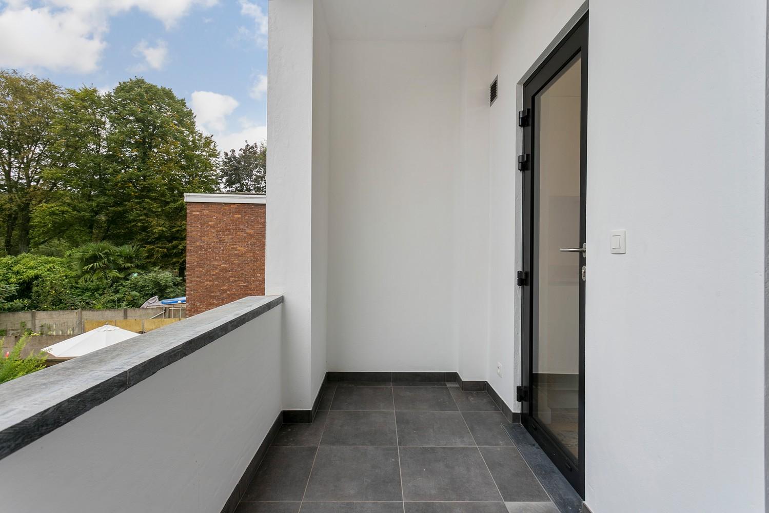 Stijlvol gerenoveerd appartement met één slaapkamer en terras te Merksem! afbeelding 18