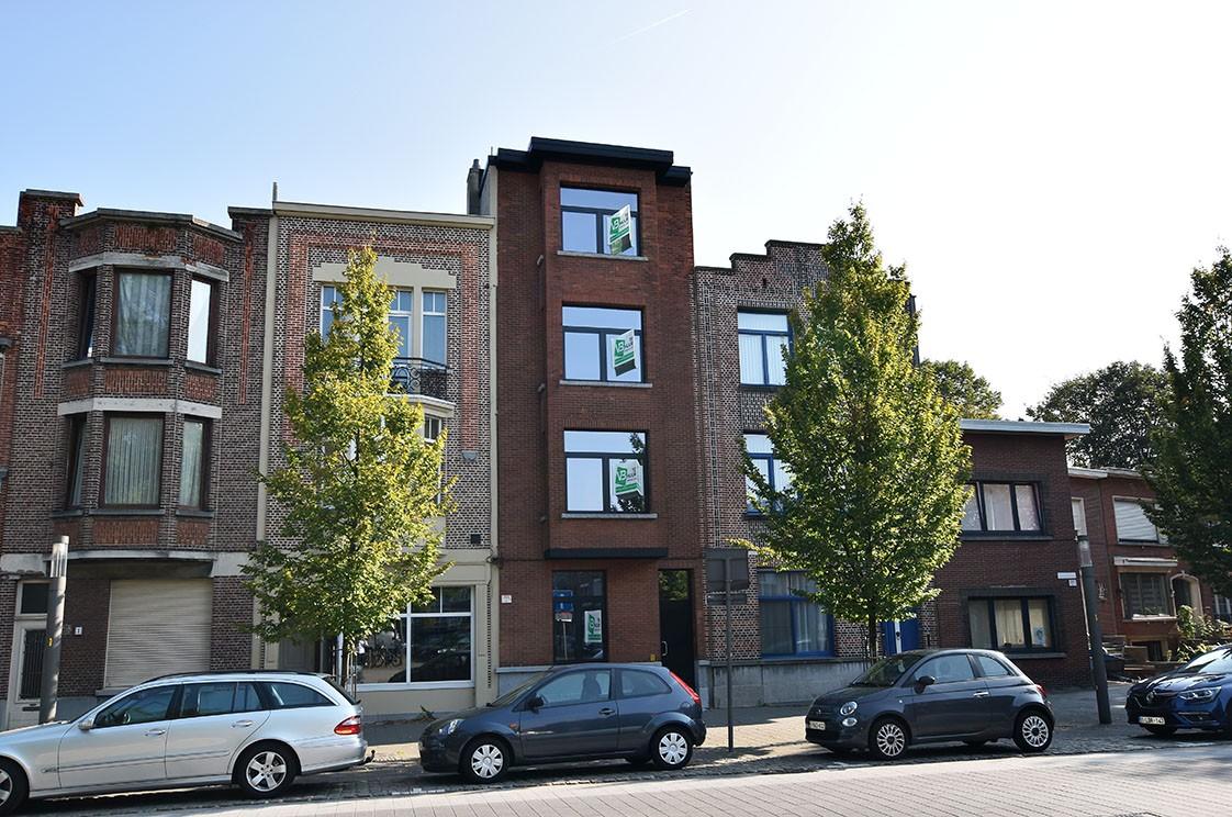 Stijlvol gerenoveerd appartement met één slaapkamer en terras te Merksem! afbeelding 25
